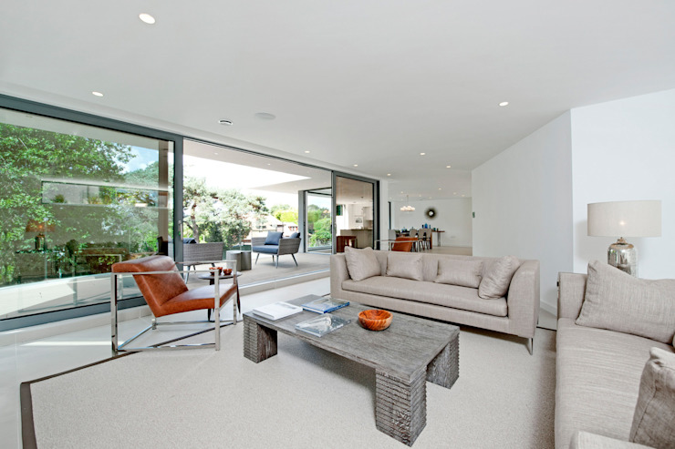 Brudenell Avenue, Canford Cliffs, Poole Modern living room by David James Architects & Partners Ltd Modern