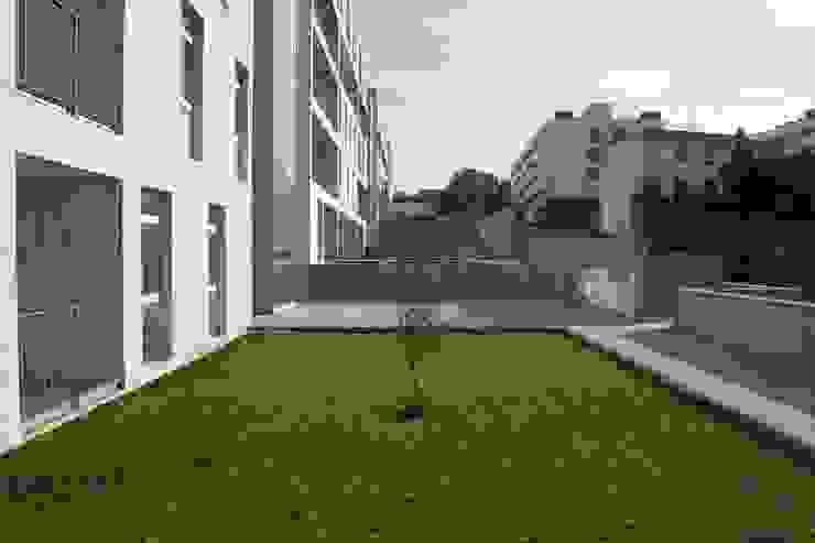 Douro á Vista: Jardins  por Lousinha Arquitectos,Moderno