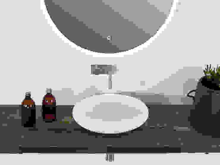 สแกนดิเนเวียน  โดย Copenhagen Bath, สแกนดิเนเวียน