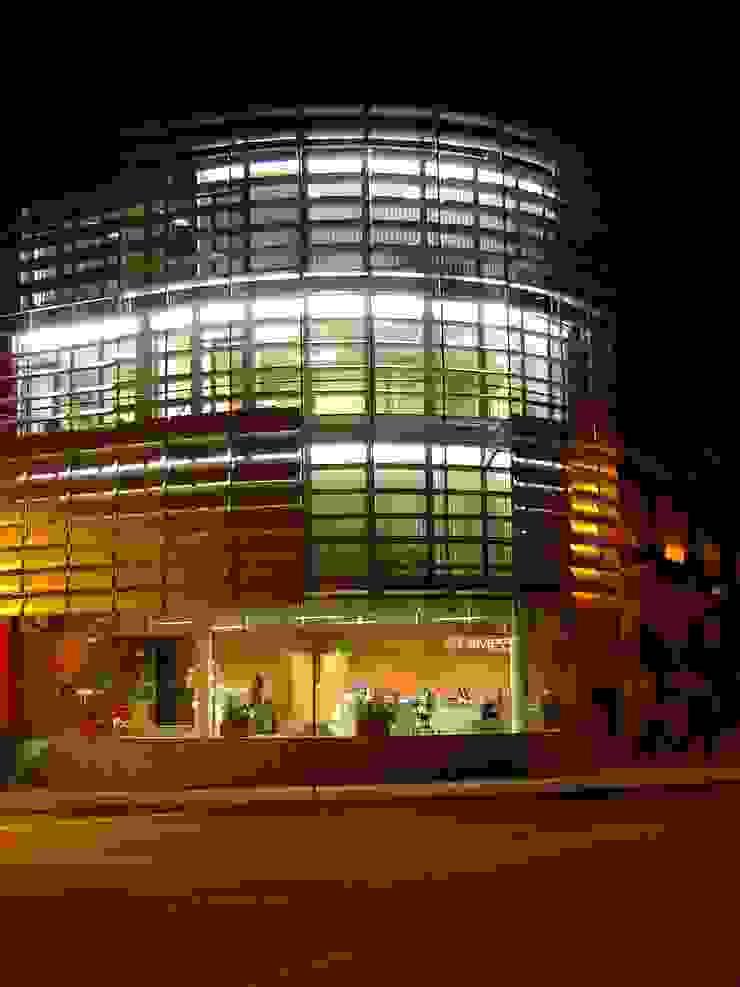 Edifício Empril Casas modernas por Lousinha Arquitectos Moderno