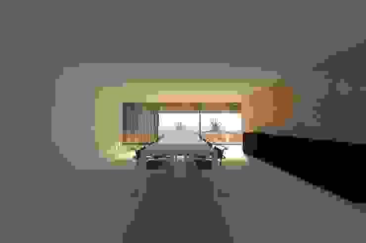 Casa Luanda Salas de jantar modernas por Lousinha Arquitectos Moderno