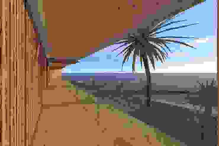 Modern style balcony, porch & terrace by Lousinha Arquitectos Modern
