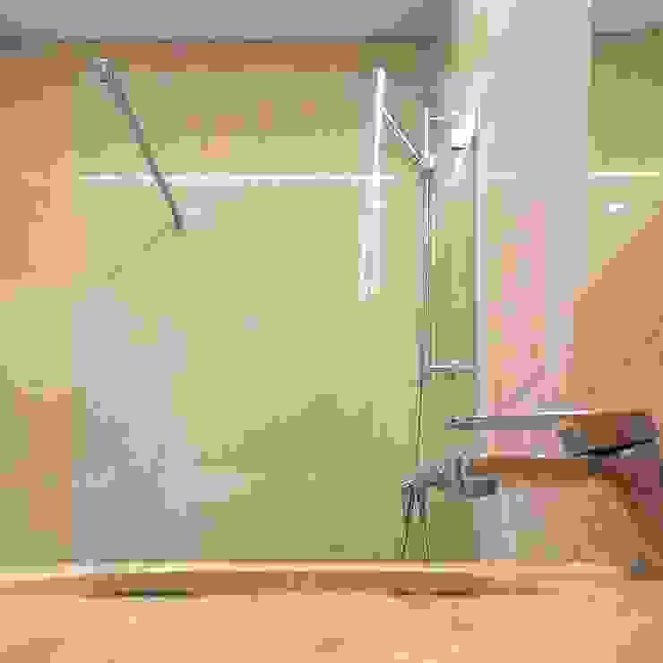 Casa de banho Casas de banho modernas por HighPlan Portugal Moderno Pedra