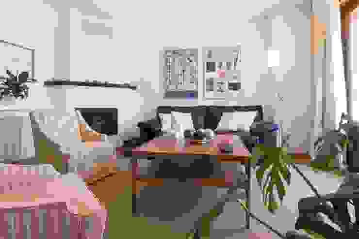 Livings de estilo escandinavo de Become a Home Escandinavo