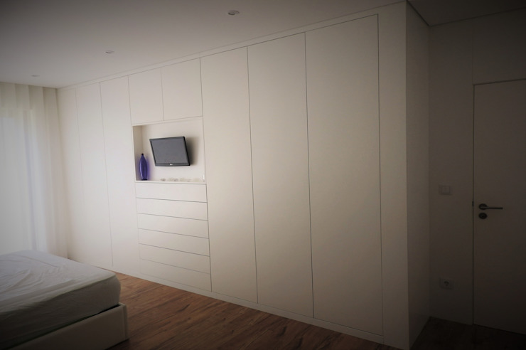 Bedroom by Jesus Correia Arquitecto, Modern
