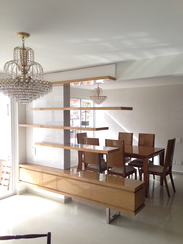 Mueble divisorio Sala - Comedor de John Robles Arquitectos Moderno