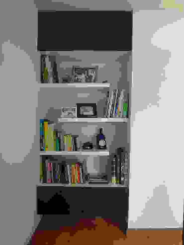 Biblioteca (despues) Estudios y despachos de estilo moderno de John Robles Arquitectos Moderno