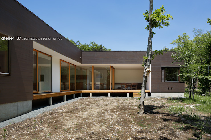 atelier137 ARCHITECTURAL DESIGN OFFICE Modern home Wood Brown