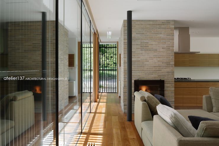 atelier137 ARCHITECTURAL DESIGN OFFICE Modern Corridor, Hallway and Staircase Wood Wood effect