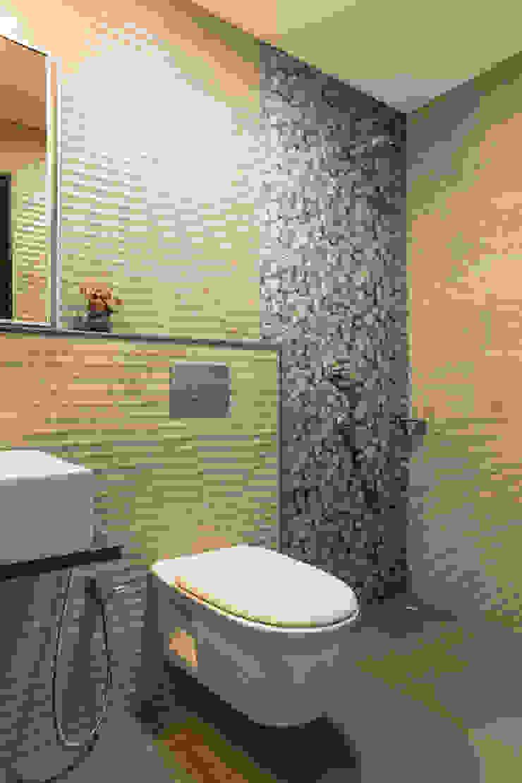 Baños de estilo rústico de iSTUDIO Architecture Rústico