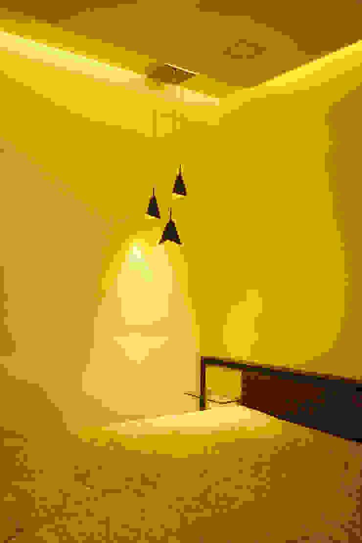 modern  by iSTUDIO Architecture, Modern