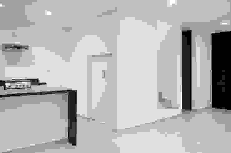 Sala/Comedor Casa Pedregal ángulo Cocinas minimalistas de Región 4 Arquitectura Minimalista