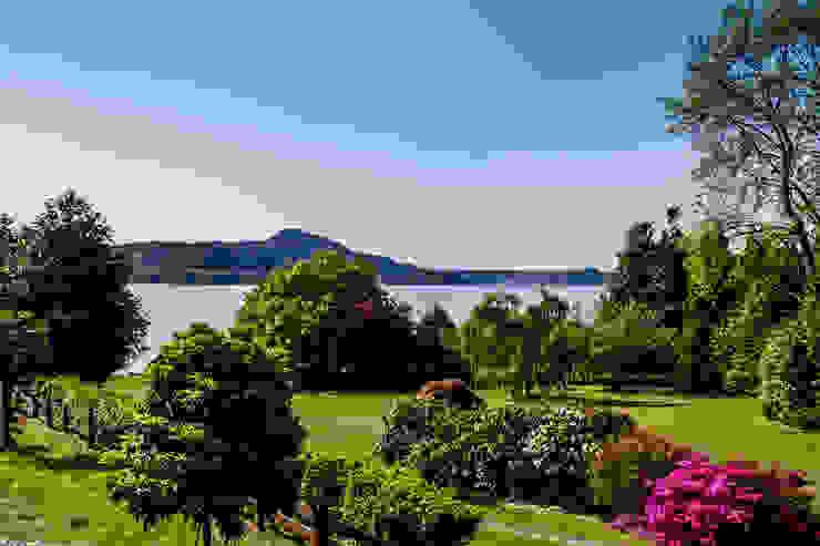 Appartamento in vendita sul Lago Maggiore Giardino moderno di Boite Maison Moderno