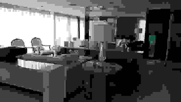 Living: Salas de estar  por MR18 Arquitetura | Interiores,