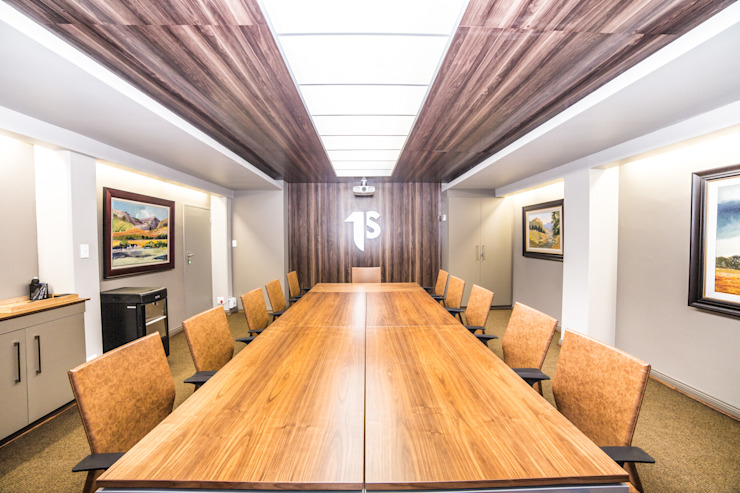 Main Boardroom by Nuclei Lifestyle Design Modern