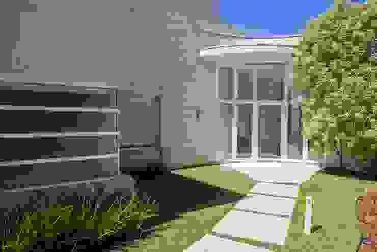 Entrada Principal Bernacki Arquitetura Casas modernas Vidro Branco