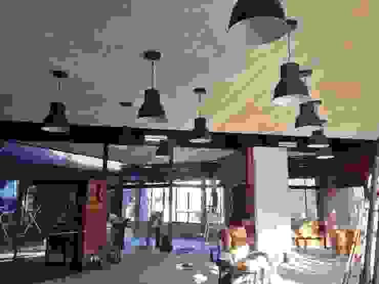 Restaurante La Mendoza Guadalajara de Metric Solutions S.A de C.V Rústico Madera Acabado en madera