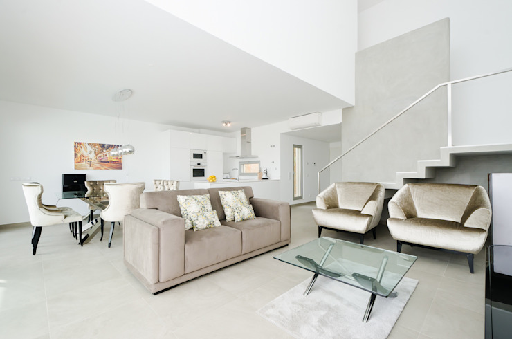 Private Interior Design Project - Town House Albufeira por Simple Taste Interiors Clássico