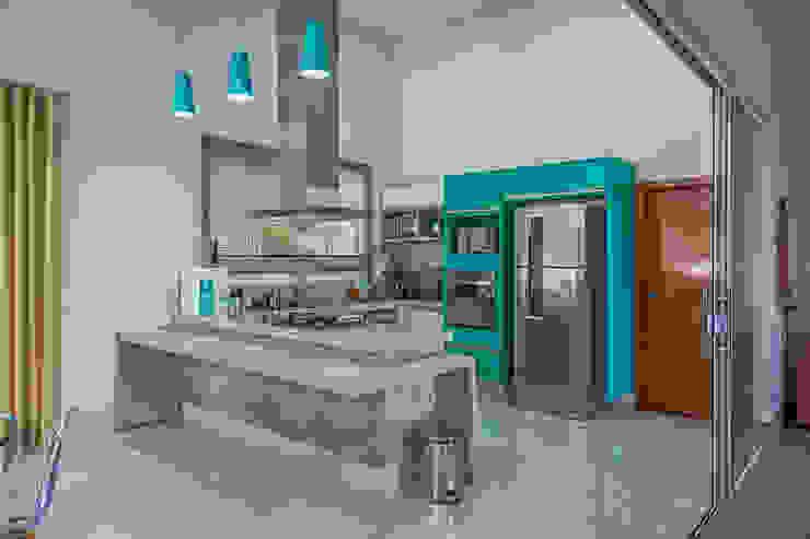 Cocinas de estilo moderno de Daniele Galante Arquitetura Moderno