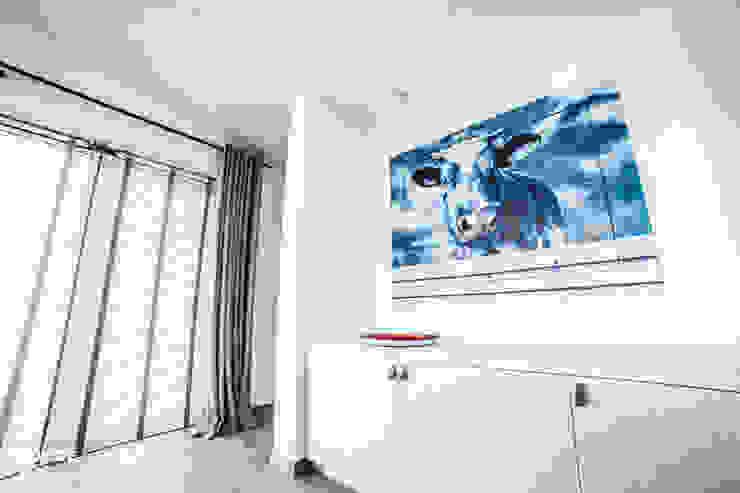 Punt-West Moderne woonkamers van Guy de Vos Modern