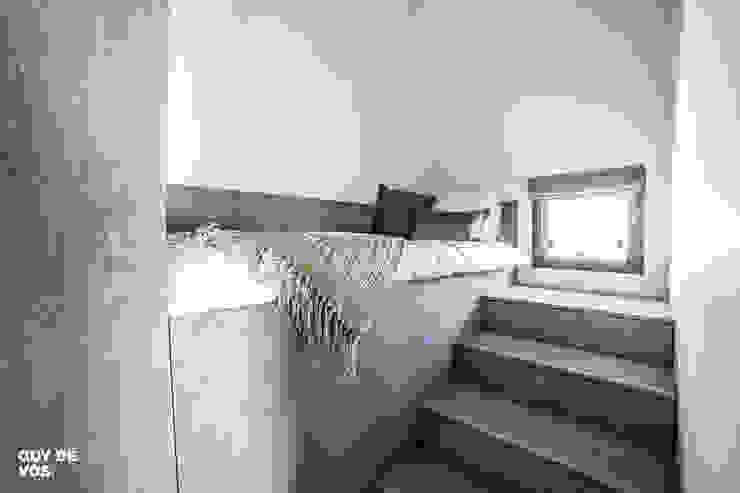 Punt-West:  Slaapkamer door Guy de Vos,