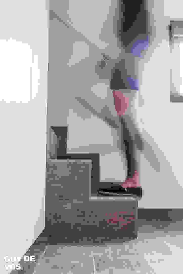 Punt-West Moderne gangen, hallen & trappenhuizen van Guy de Vos Modern