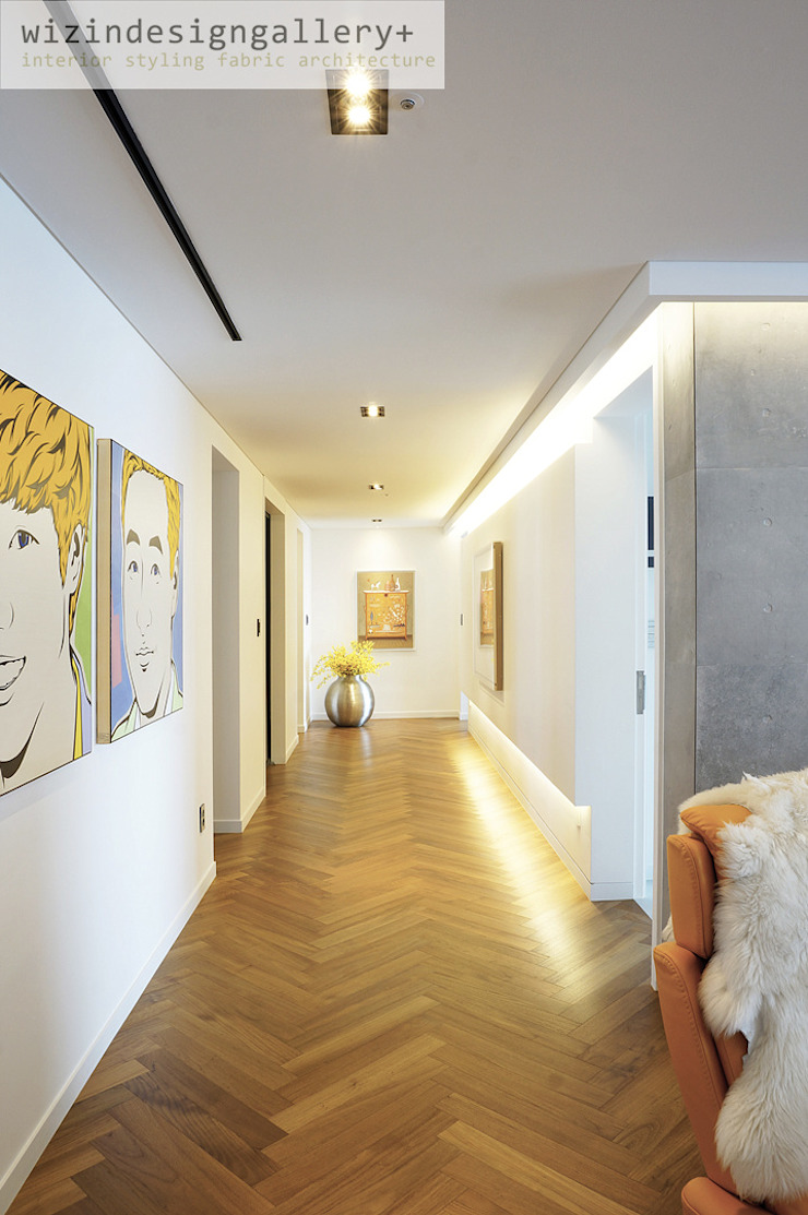 wizingallery Ingresso, Corridoio & Scale in stile moderno
