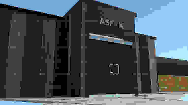 """Fachada ASF - K """"Centro de Negocios"""" Centros de convenciones de estilo minimalista de HC Arquitecto Minimalista Ladrillos"""