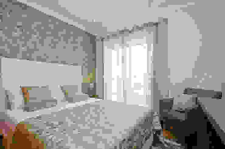 Private Interior Design Project - Apartment Vila Sol Palmyra por Simple Taste Interiors Clássico