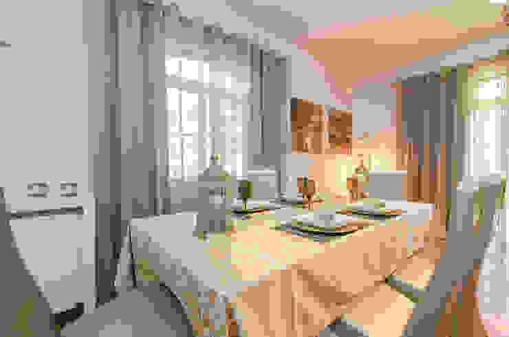Private Interior Design Project – Quinta do Lago por Simple Taste Interiors Clássico