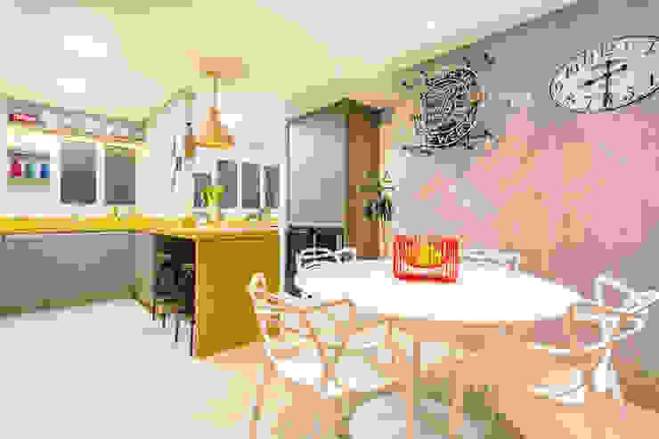 Espaço para receber Amigos Integrado com Cozinha Cozinhas ecléticas por Motirõ Arquitetos Eclético Granito