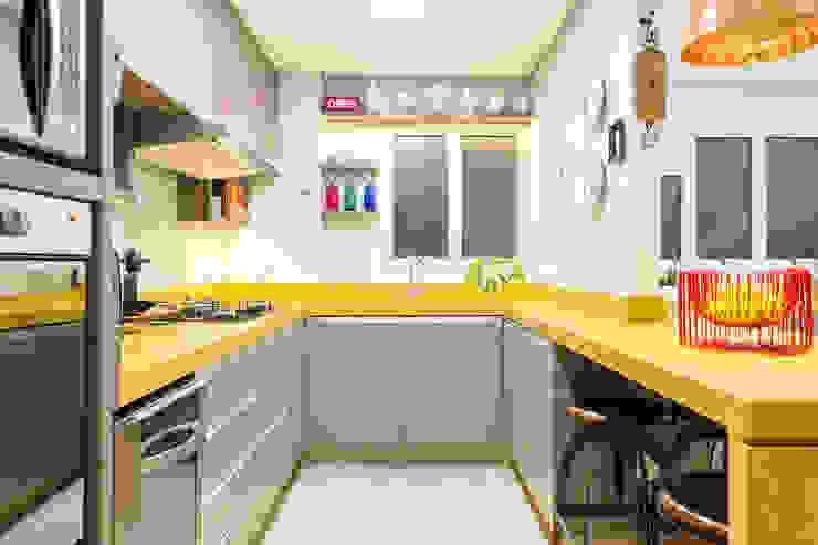 Cocinas de estilo ecléctico de Motirõ Arquitetos Ecléctico Granito