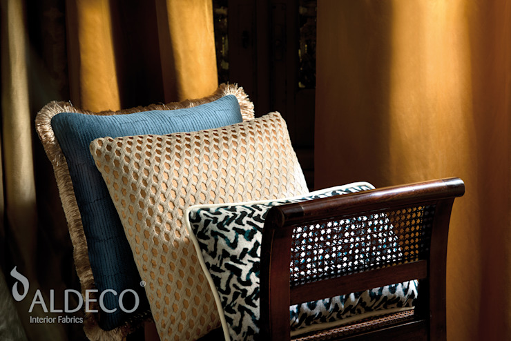 Mystic & Chic Collection 2016 por Aldeco Comércio Internacional S.A. Clássico Têxtil Ambar/dourado