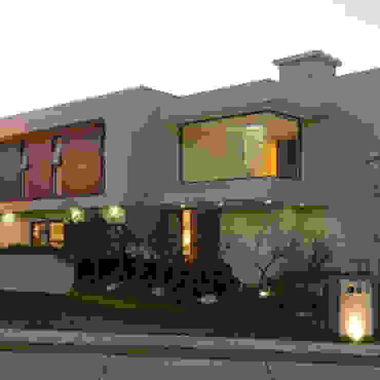 บ้านสวยสไตล์ โมเดิร์น: ทันสมัย  โดย Nantheera, โมเดิร์น