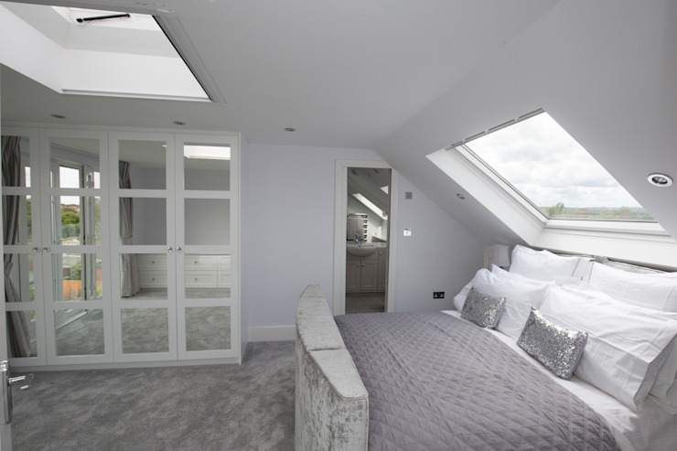 A guest bedroom for a star! Modern style bedroom by The Market Design & Build Modern