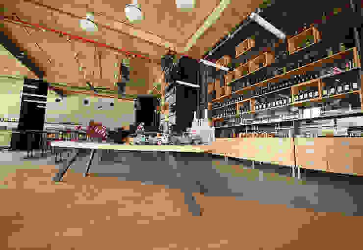 modern  von ArcorA Custom Made Furniture, Modern