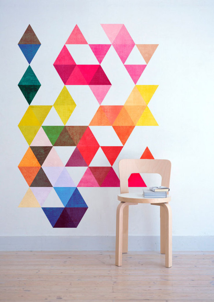 Nursery - Mid Century Style with Multi Colored Triangles Mid Century por MOONWALLSTICKERS.COM