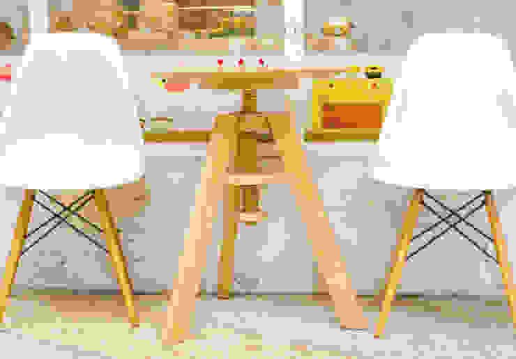 Ruang Makan Gaya Skandinavia Oleh Homemate GmbH Skandinavia