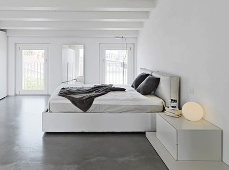 Minimalist bedroom by Homemate GmbH Minimalist