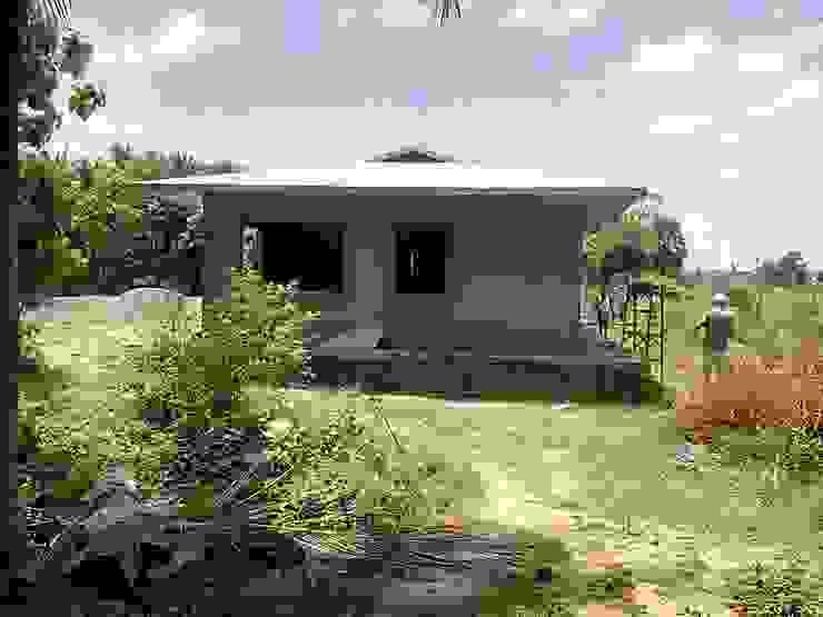 Pre-Fab Farmhouse Modern houses by Urban Shaastra Modern