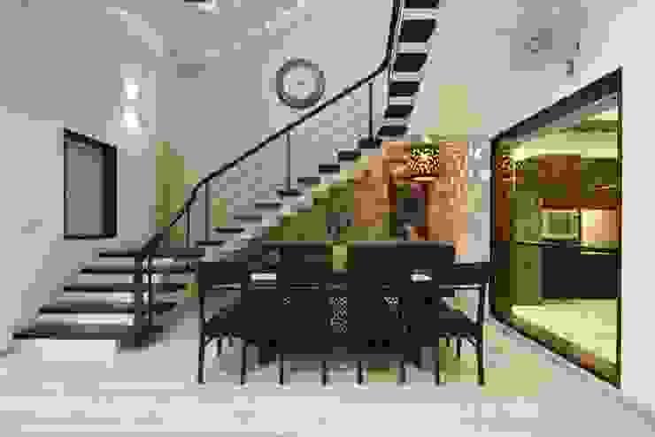 Renovation Project in Vasant Kunj (New Delhi): asian  by Da Design,Asian
