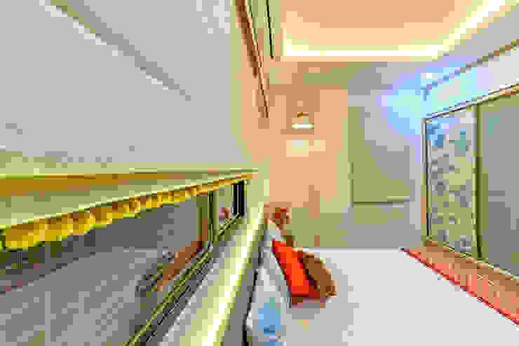 Bedroom Eclectic style bedroom by Saar Interior Design Eclectic