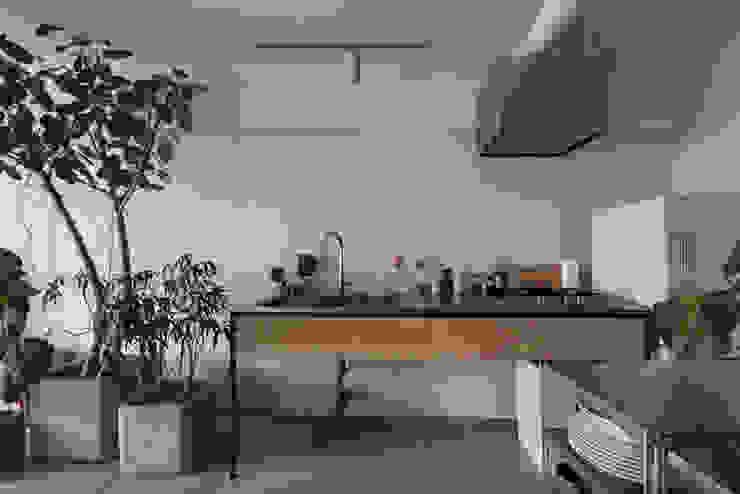 MORTAR POT Minimalist kitchen by nuリノベーション Minimalist