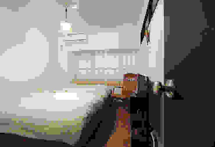 vintage×sozai Minimalist bedroom by nuリノベーション Minimalist