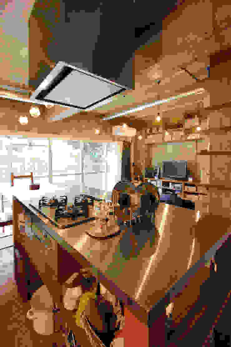 honyatosyodou Modern Dining Room by nuリノベーション Modern