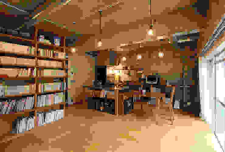 honyatosyodou Modern Living Room by nuリノベーション Modern