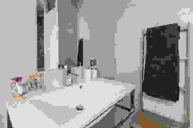 ห้องน้ำ โดย Architrek, โมเดิร์น