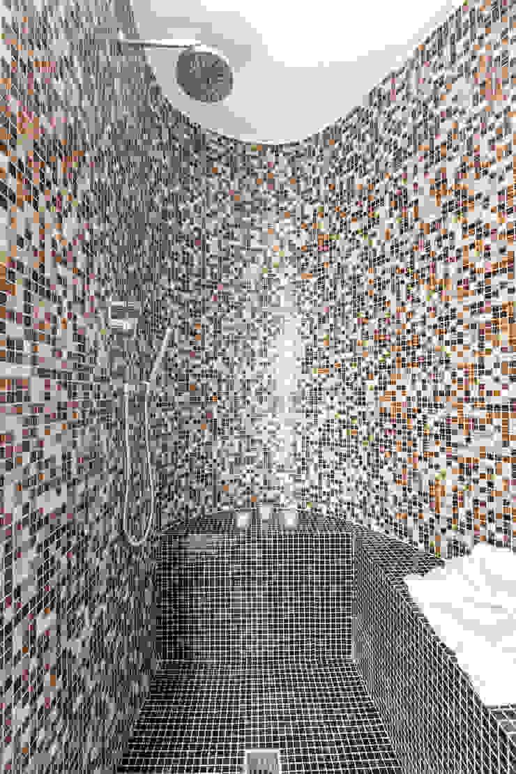 Modern bathroom by Architrek Modern