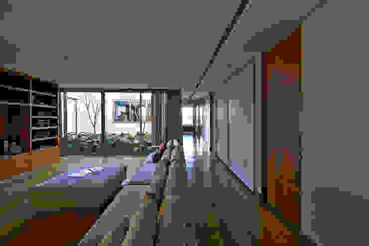 Casas modernas: Ideas, imágenes y decoración de Lanza Arquitetos Moderno