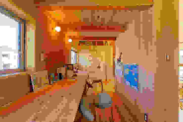 下古山・中庭のある家 中山大輔建築設計事務所/Nakayama Architects オリジナルデザインの 子供部屋